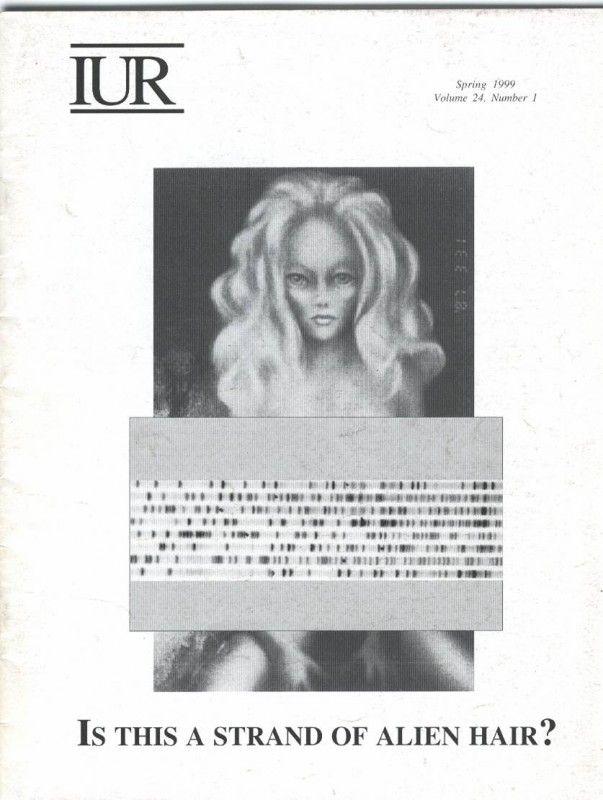 Página de una revista que representa a la mujer alienígena rubia vista por Peter Khoury