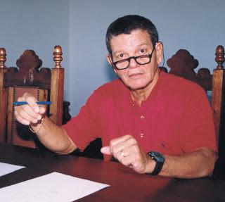 """El Coronel Uyrange Hollanda Lima, que pasó de escéptico a creyente después de experimentar un encuentro en Isla Colares. Meses después, apareció """"suicidado"""""""