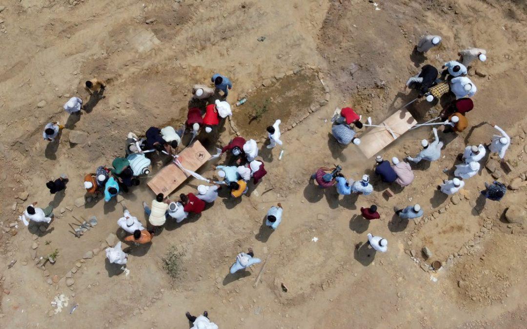 Brasil e India sumergidas en una crisis y masacre incontrolables