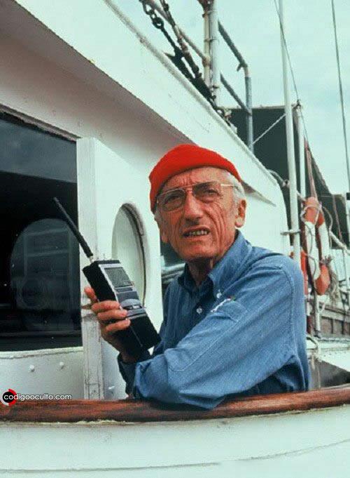Jacques-Yves Cousteau en una exploración