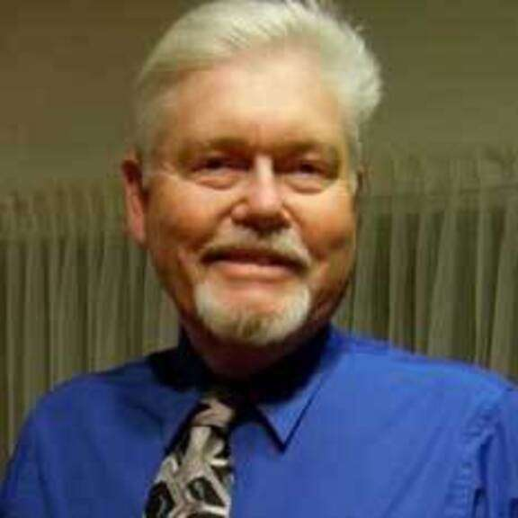 James Benford, físico de Microwave Science