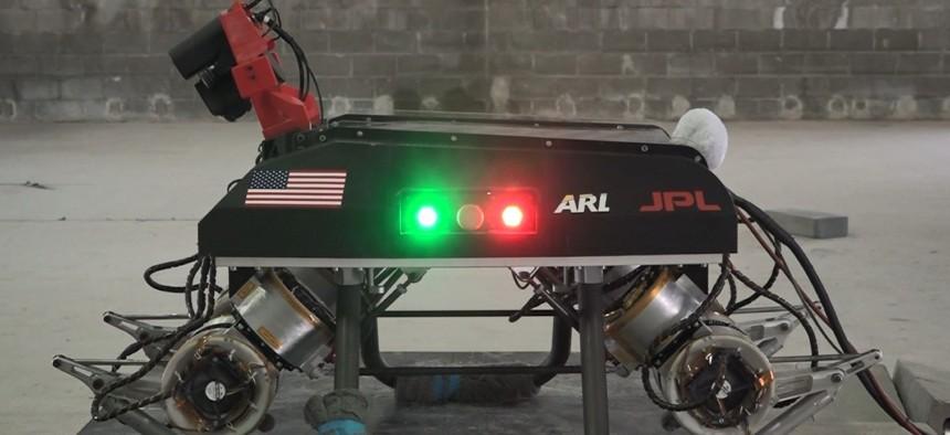 Las primeras aplicaciones para la robótica biohíbrida en las que se espera que el equipo se centre incluyen plataformas con patas y plataformas de investigación desarrolladas a través de la Alianza de Tecnología Colaborativa de Robótica del Ejército