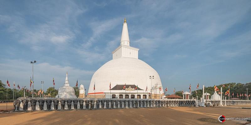 La ciudad sagrada de Anuradhapura, en Sri Lanka, fue el primer reino establecido en la isla
