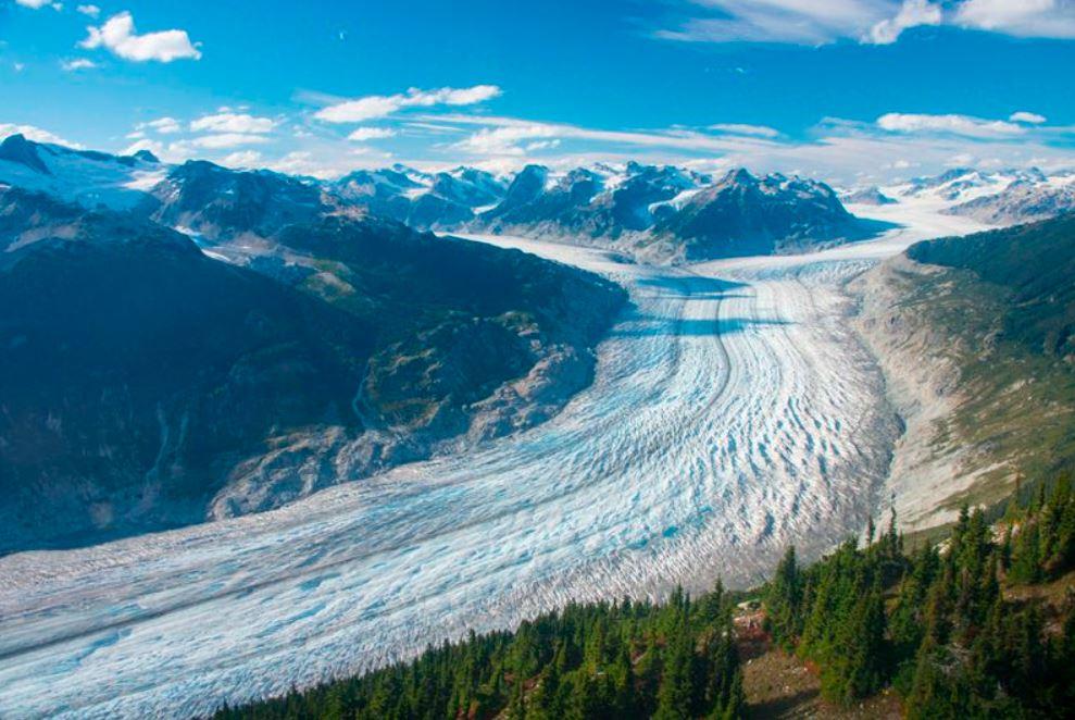 Glaciar Klinaklini, en Columbia Británica en 2017. El glaciar y el campo de hielo adyacente han perdido casi 14.500 millones toneladas métricas de nieve y hielo desde el 2000, 9.800 millones de ello desde el 2010. Y la tasa de deshielo se ha acelerado en los últimos cinco años