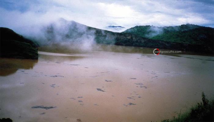 La emisión de CO2 del lago Nyos «explotó» durante la noche, matando a todos a su paso