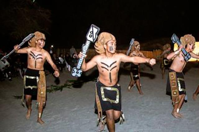 Representación festiva de Guerreros de Sechín