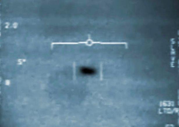 El «OVNI Nimitz» visto desde la cabina de un avión de combate
