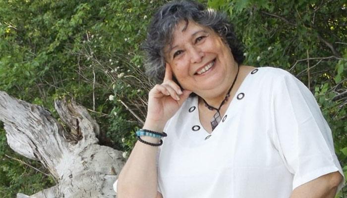 """Verónica Lizana, también conocida como Kervher, escritora de """"El Libro de Isidris"""""""