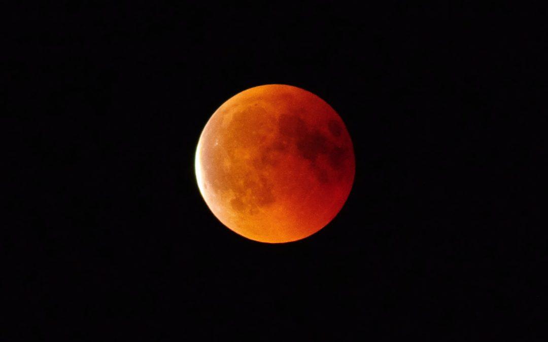 Eclipse Lunar Total «Luna de Sangre» y la Superluna más grande del año este 26 de mayo