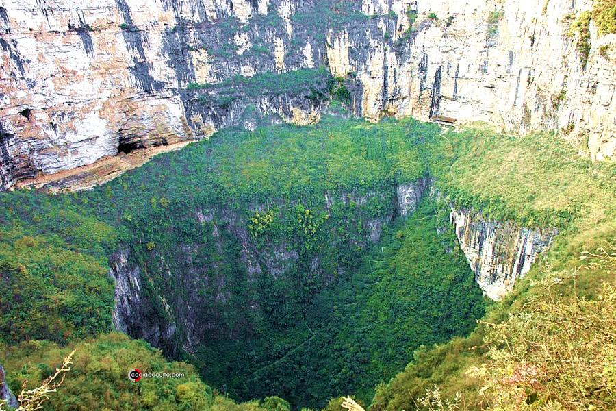 Xiaozhai Tiankeng, el pozo natural más grande del mundo