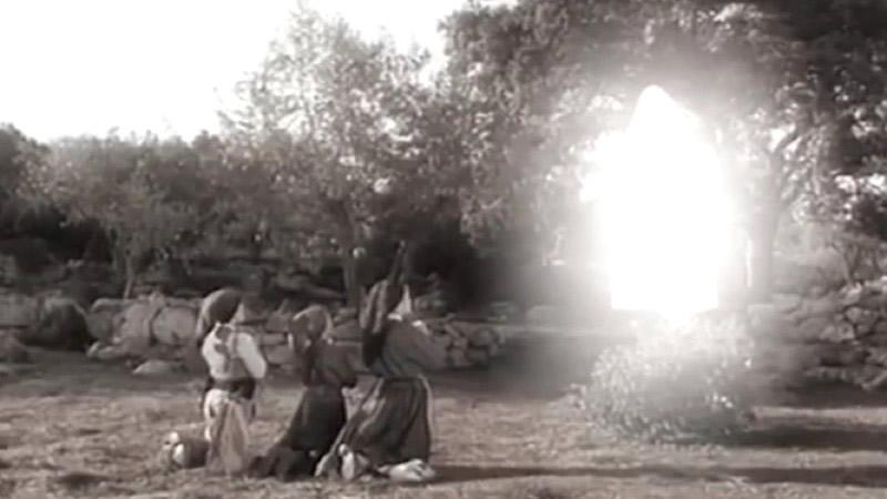 Representación de la aparición de la Virgen de Fátima