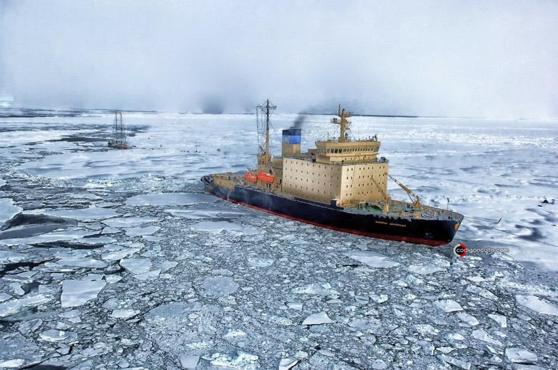 Barco en el Ártico