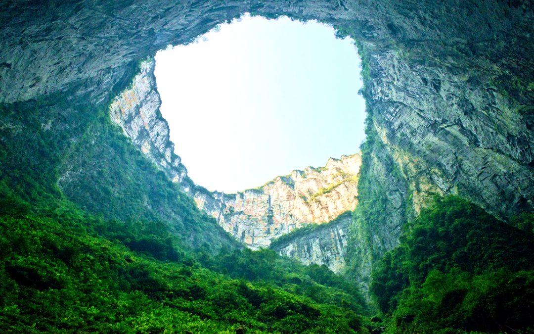 Foso Celestial, el pozo natural más grande y profundo del mundo (VIDEO)