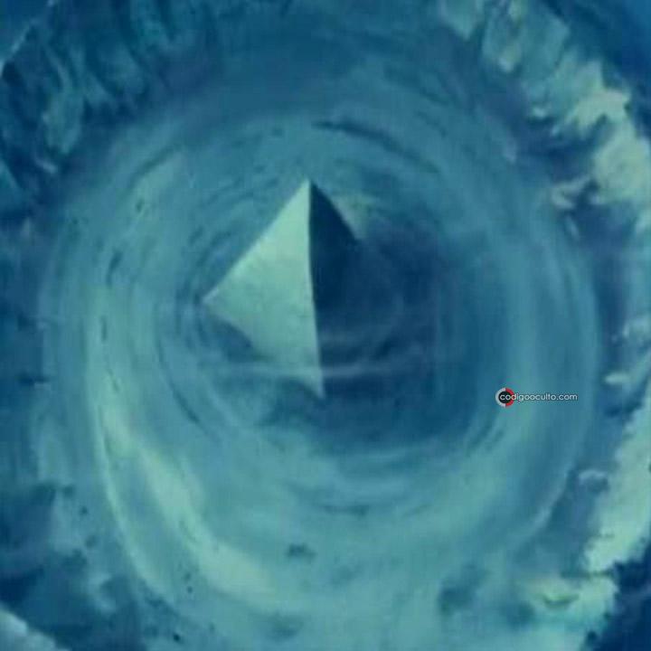 Representación de una pirámide sumergida