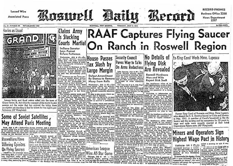 El Roswell Daily Record informando de la caída y recuperación de un platillo volador en una región de Roswell