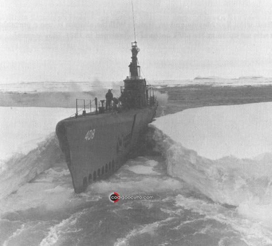 El submarino USS Sennet (SS-408) durante la Operación Highjump