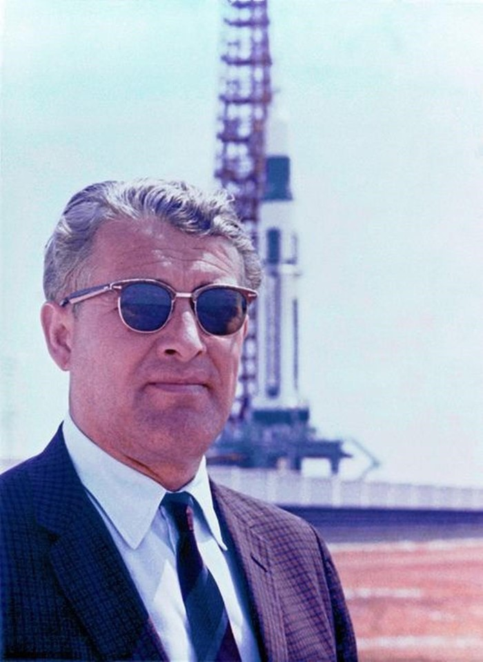 Wernher von Braun y uno de sus dueños más icónicos, el cohete Saturno V, prototipo del futuro Apollo