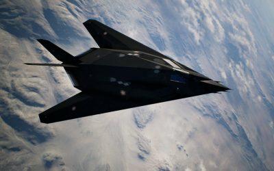 Aviones de combate F-117 Nighthawks son fotografiados dirigiéndose al Área 51