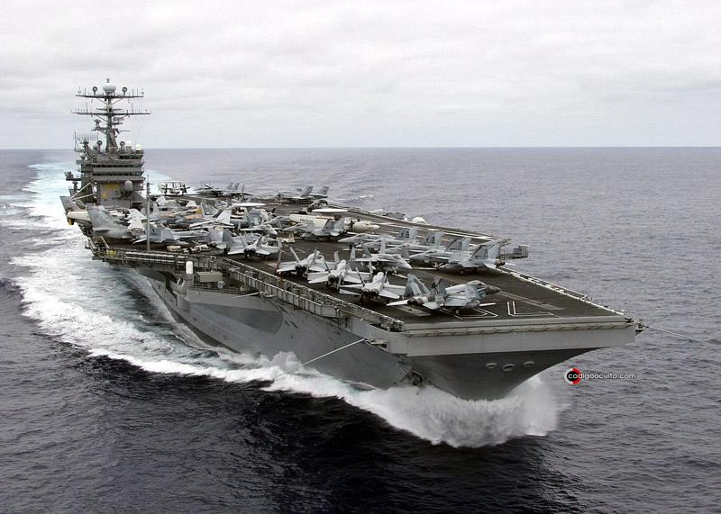 USS Carl Vinson, portaaviones estadounidense de la clase Nimitz.