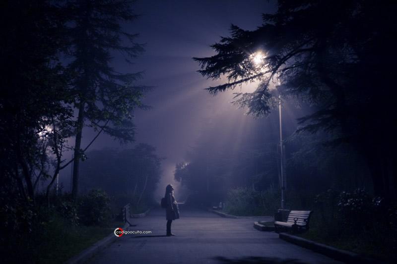 Representación de un avistamiento OVNI