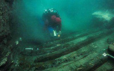 Antiguo barco y necrópolis son descubiertos en ciudad sumergida de Egipto