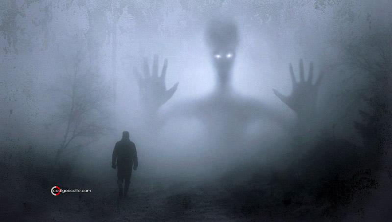 """El viajero del tiempo menciona a """"extraterrestres gigantes"""""""