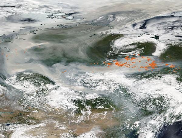 El humo de los incendios forestales en Siberia se extiende desde Yakutia hasta el Polo Norte