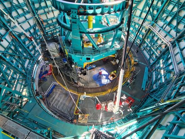 Montaje del Telescopio en el Observatorio Vera C. Rubin, actualmente en construcción