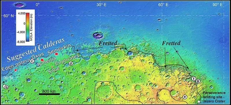 Arabia Terra y el terreno trastocado. Los puntos rojos marcan la ubicación de las siete calderas, mientras que los círculos blancos (a – g) corresponden a observaciones de ceniza volcánica
