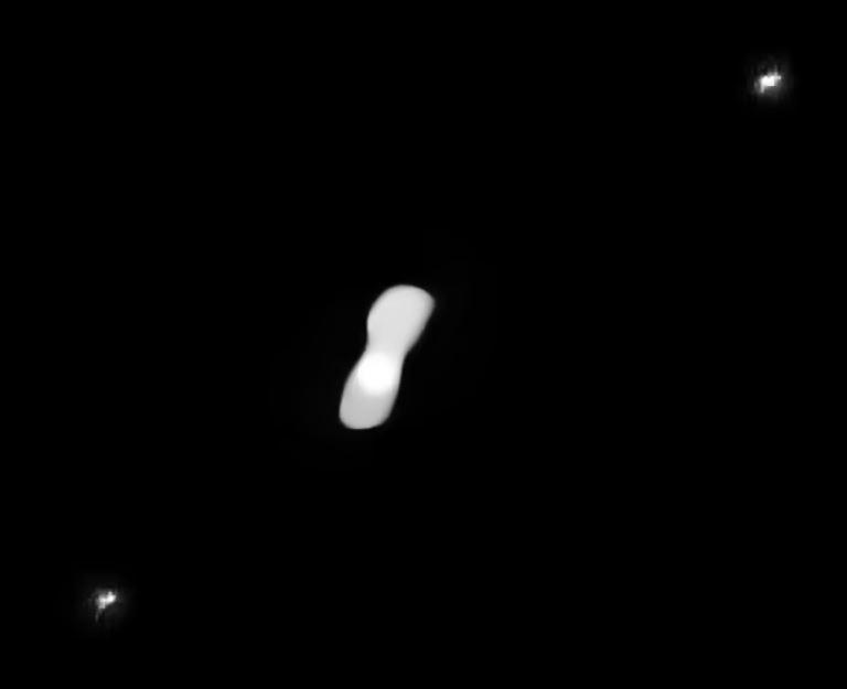 "Asteroide ""Kleopatra"" con dos lunas"