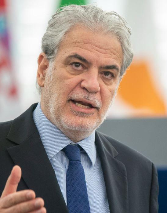 Christos Stylianides, ex comisionado de la Unión Europea, fue designado para encabezar el ministerio de crisis climática de Grecia