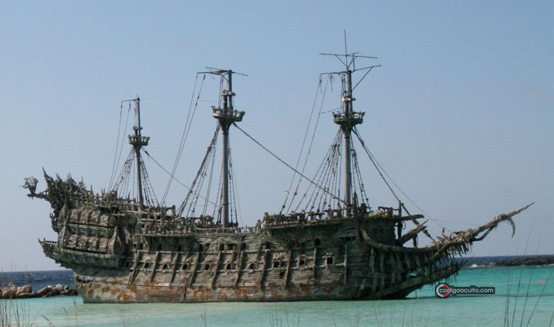 Representación de El holandés errante en la saga de Piratas del Caribe