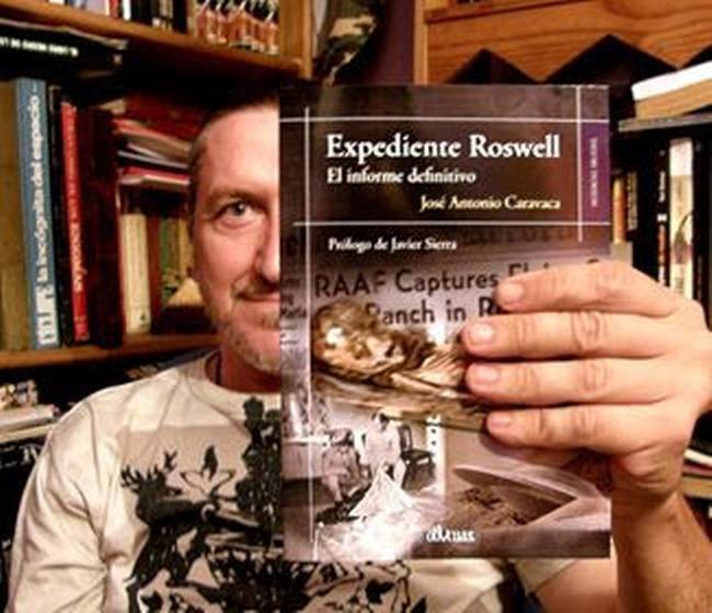 En 2016 publicó uno de sus trabajos más destacados, acerca del caso Roswell
