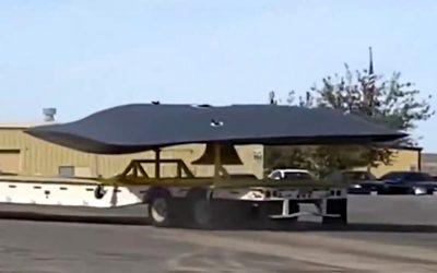 """Misteriosa """"nave"""" es vista siendo remolcada cerca de base de aeronaves en EE. UU. (VIDEO)"""