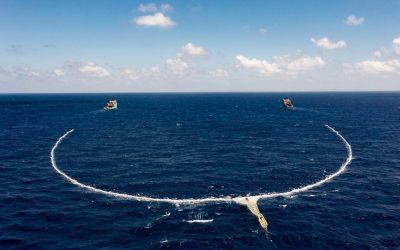 Ocean Cleanup lucha por cumplir su promesa de limpiar el mar de plástico