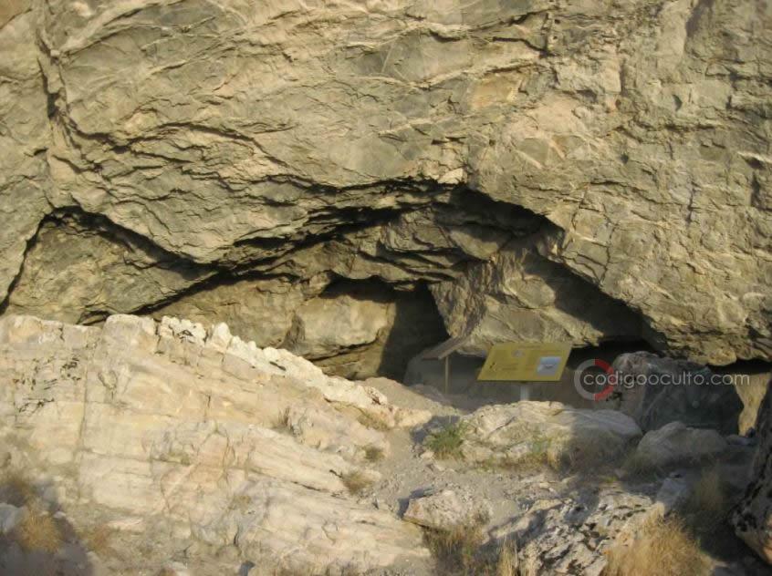 Acceso a la cueva Lovelock en Nevada