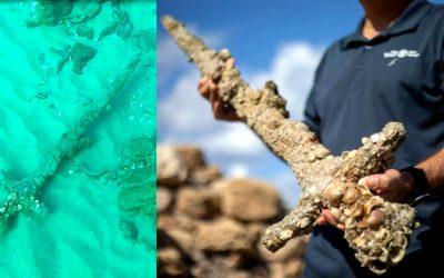 Buzo halla espada cruzada de 900 años y sumergida en el mar frente a Israel