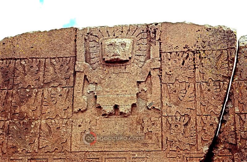 Viracocha representado en la Portada del Sol, Tiahuanaco